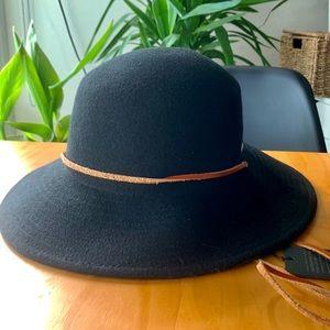 NWT Coal Wool Wide-Brim Hat in Black